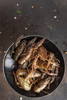 ザリガニ新鮮な調理する準備ができてシーフード生製品食事スナックテーブルコピースペース食品背景