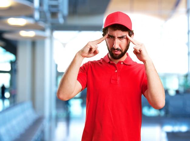 Rivenditore folle espressione arrabbiata