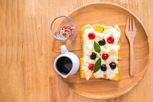 Cream cheese and honey toast