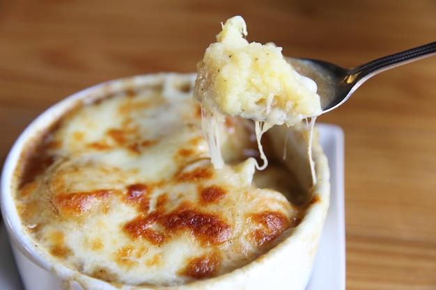 クリーミーなマッシュポテトとチーズ