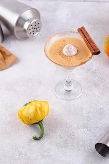 Сливочный коктейль с мартини из тыквы или ликер