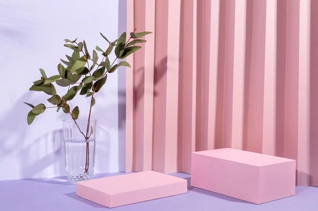 Disposizione creativa del podio minimalista