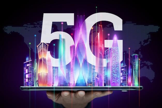 창의적인 배경, 5g 스마트 폰 및 홀로그램 스마트 시티, 빅 데이터 전송 기술 개념, 5g 네트워크, 고속 모바일 인터넷. 혼합 매체.
