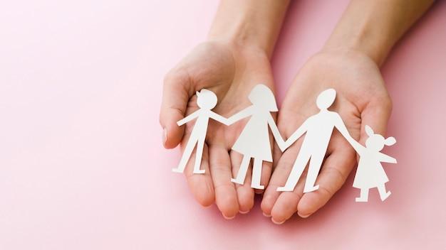Composizione creativa per il concetto di famiglia