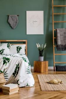 Креативная композиция спальни с макетом рамки плаката и шаблоном аксессуаров в стиле бохо
