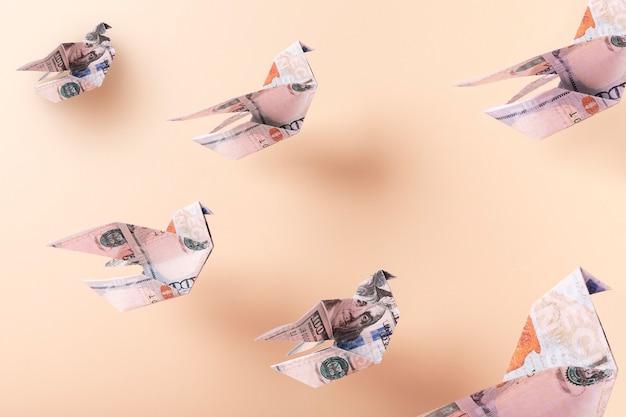 창조적 인 재정적 자유 정물 구성