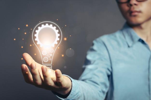 Креативные идеи с инновационными знаниями и концепцией энергосбережения
