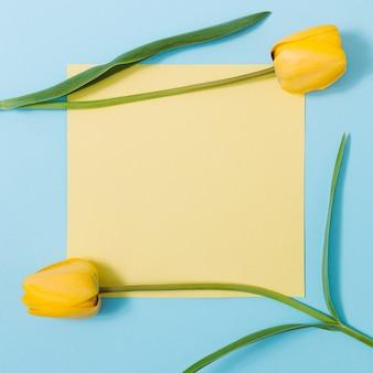 복사 공간 봄 꽃으로 만든 크리 에이 티브 레이아웃