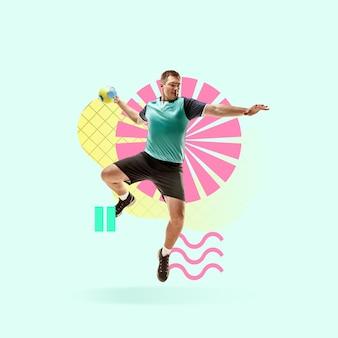 창의적인 스포츠와 기하학적 스타일. 행동에 핸드볼 선수, 파란색 배경에 모션입니다. 텍스트 또는 광고를 삽입할 음수 공간입니다. 현대적인 디자인. 현대적인 화려하고 밝은 아트 콜라주.