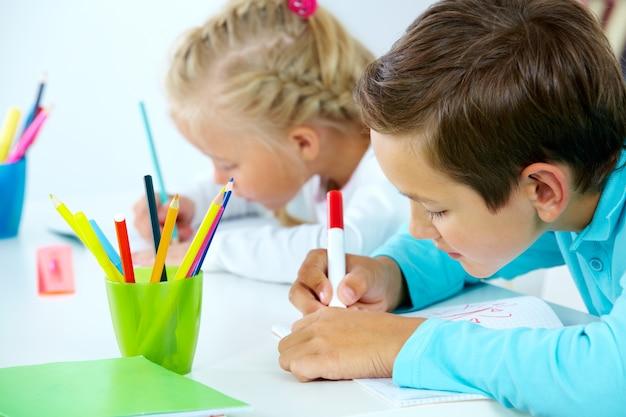 Studenti creativi duro lavoro