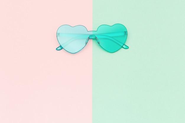 현대적인 선글라스로 창의적인 평면도
