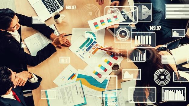 企業スタッフ会議でのビジネスマンのクリエイティブなビジュアル