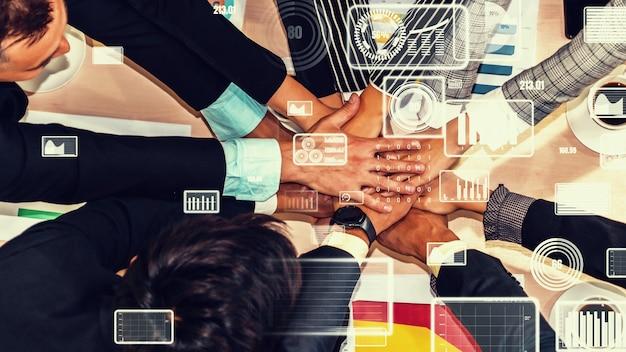 企業スタッフ会議でのビジネスマンのクリエイティブビジュアル
