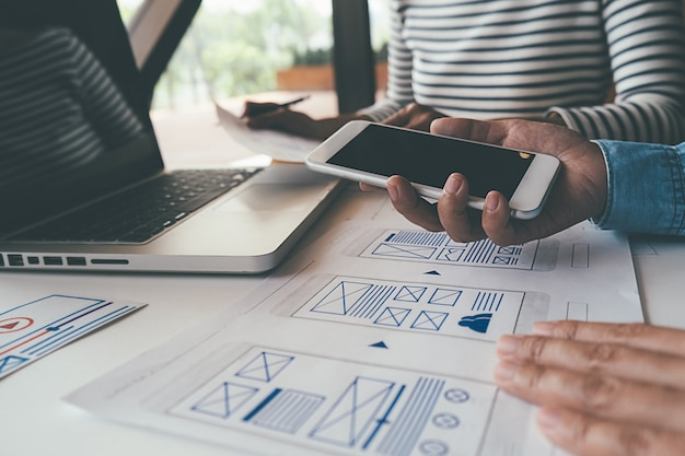 Creative web designer 계획 응용 프로그램 및 템플릿 레이아웃 개발, 휴대폰 용 프레임 워크.
