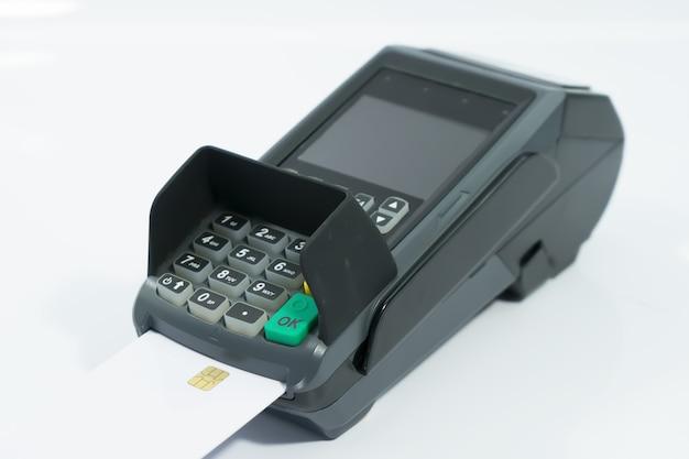 고립에 신용 카드 기계