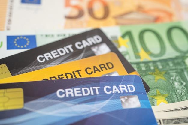 Eu 지폐의 신용 카드 금융 개발 은행 계좌 통계