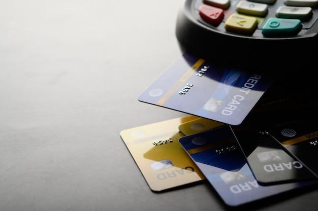 Оплата кредитной картой, покупка и продажа товаров и услуг