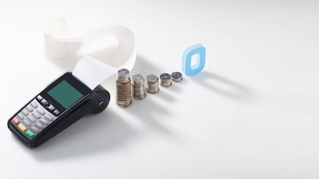 신용 카드 스와이프 기계 저이자 비용 개념