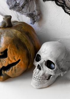 Creepy skull and jack-o-lantern