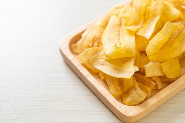 クリスピーバナナチップス-スライスしたバナナの揚げ物または焼き物