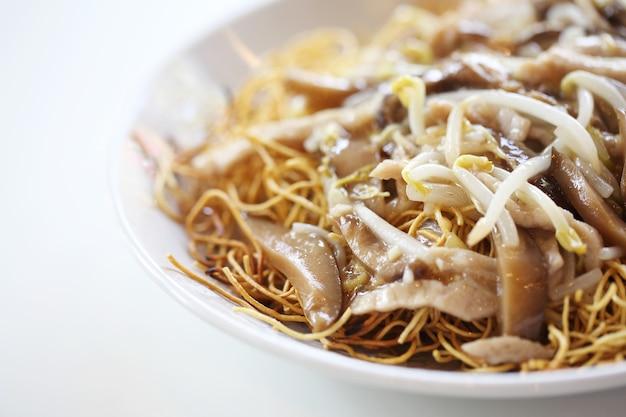 豚肉のサクサク卵麺