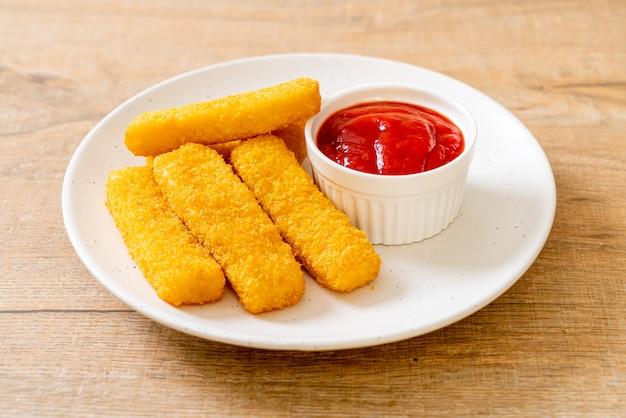 パン粉とカリカリ揚げ魚の指