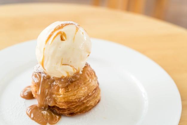 Crispy pie with vanilla ice-cream and caramel sauce
