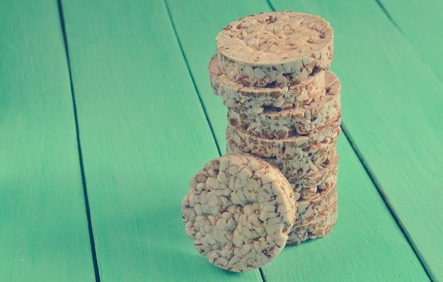 Хрустящее круглое гречневое и рисовое печенье