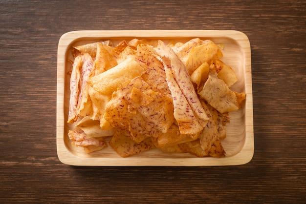 Crispy taro chips - жареное или запеченное нарезанное таро
