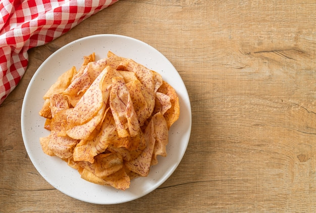 크리스피 타로 칩-튀긴 또는 구운 슬라이스 타로