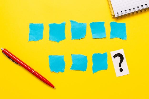 批判的思考、手がかりの発見、質問への回答、データの収集、論理的アイデアのブレインストーミング、情報収集、ワードゲーム、事務用品ノートブックペン