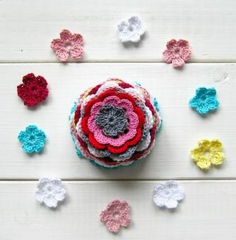 Crochet thread flowers