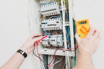Crop mountermeasuring voltage