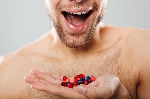 Immagine ritagliata di un uomo felice