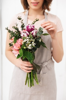 Cropped photo of florist woman