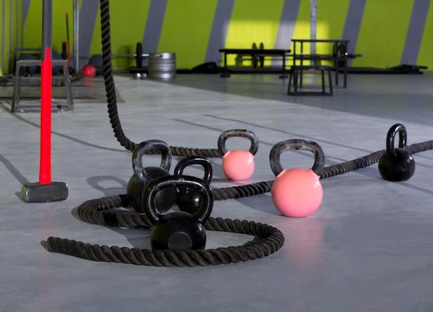 Crossfit kettlebellsロープとハンマージムウォールボール