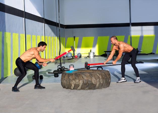 Crossfit кувалда мужчины тренировки