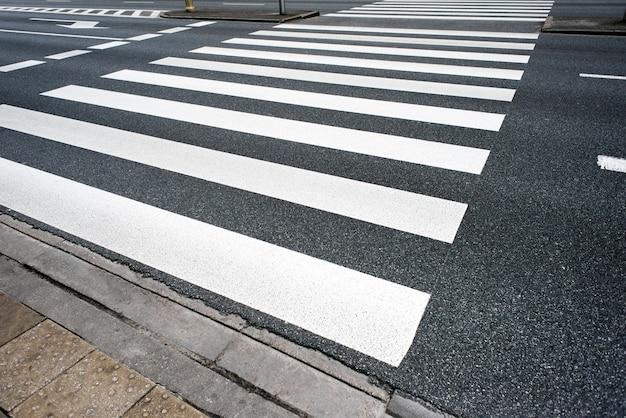 Пешеходный переход Premium Фотографии