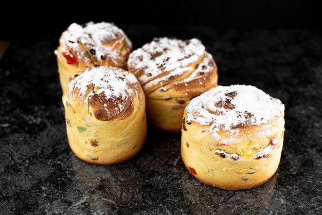 Cruffins、今年の現代のベーキングトレンドは、クロワッサンとカップケーキのミックスであるパフマフィンです