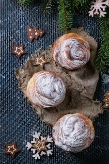 クリスマスのための現代的なペストリーのcruffins
