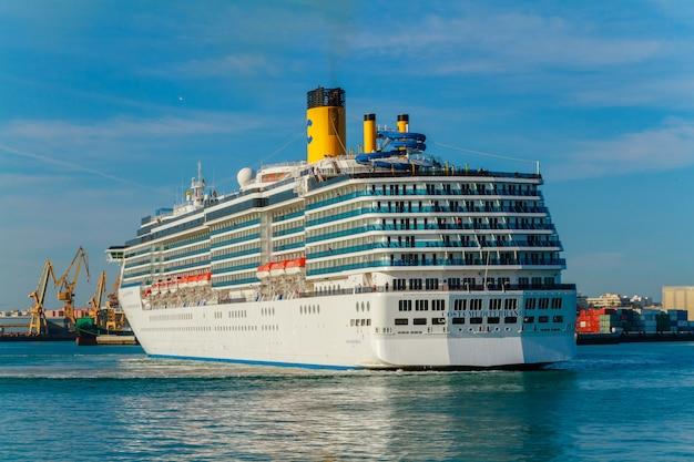 Cruiser costa mediterranea