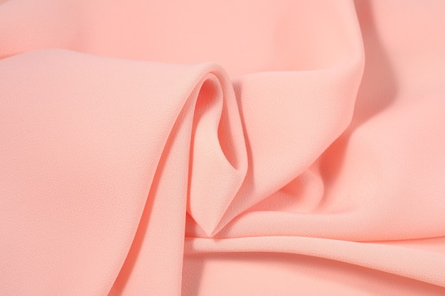 しわくちゃのピンクの生地
