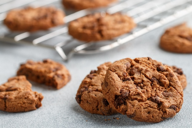 Crunchy cookies with chocolate chips
