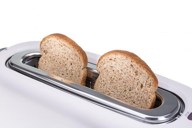 Хрустящие гренки, запеченные в тостере. крупный план.