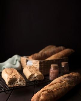 딱딱한 빵 덩어리