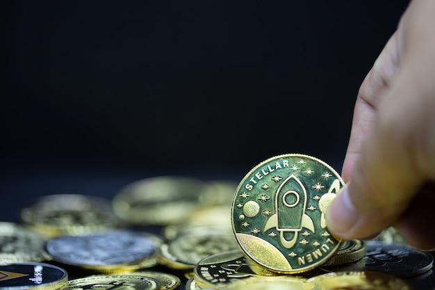 Криптовалюта биткойн монета будущего новые виртуальные деньги важная валюта для оплаты в будущем