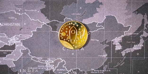 암호화폐 비트코인 미래 코인, 새로운 가상 화폐. 금화의 성장률은 세계의 미래에 모든 것을 지불하는 중요한 통화입니다.
