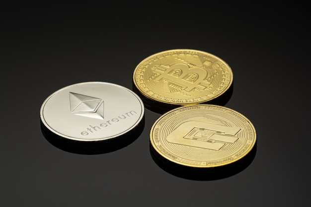 Cryptocurrency coins bitcoin ethereum dash