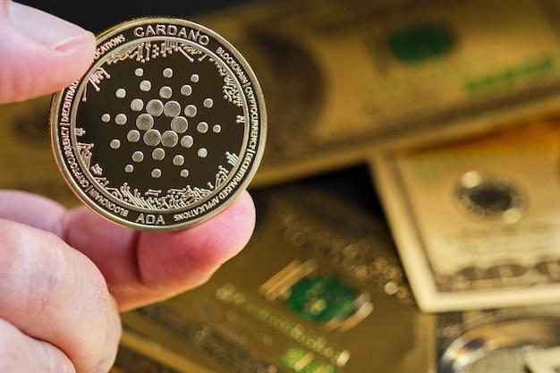 Cryptocurrency 금 bitcoin 동전과 달러 지폐 배경