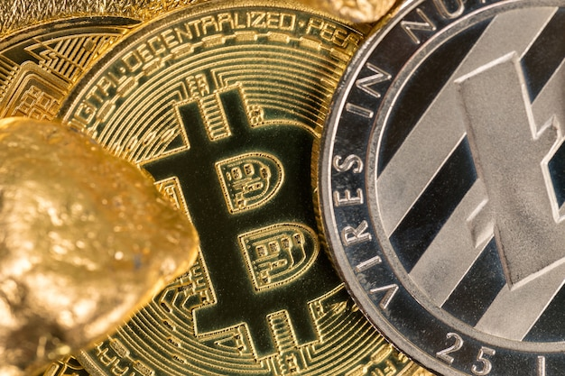 Криптовалюта золотые монеты bitcoin ethereum litecoin
